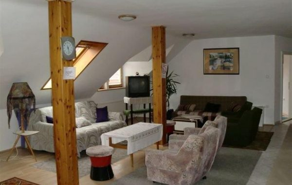 Tetőtéri apartman (4 hálóval)